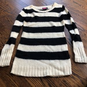 Say What ♢ beautiful winter / fall sweater, EUC
